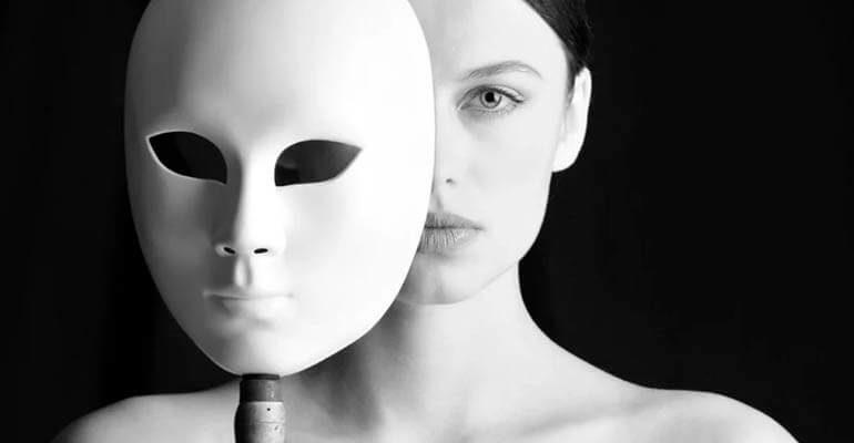 Почему нет масок в Инстаграме